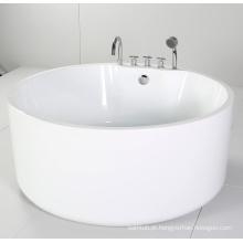 Banheira redonda e independente com acrílico