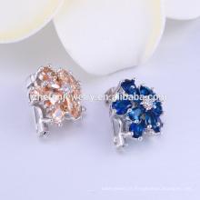 Chine Broche en plastique de haute qualité à bas prix, broche en cristal coréen, nouvelle broche de cristal pour les femmes