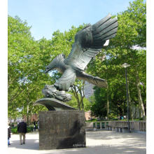 Sculpture d'aigle en laiton coulé de haute qualité