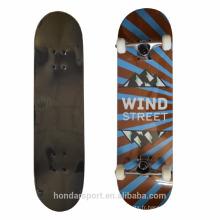 bonne qualité pour les garçons pour les enfants skateboards pour la distribution