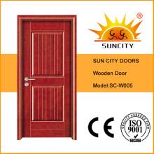 Dos puertas y puertas de madera del panel
