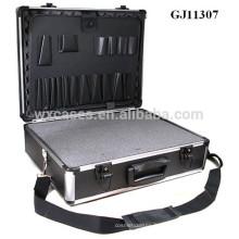 boîte à outils solide et portable en aluminium avec mousse déhoussable en dés, à l'intérieur