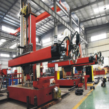 Welding Column and Boom untuk Super Heavy Type