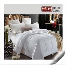 Polyester Microfiber Filling Comforter White Hotel Duvet / Quilt