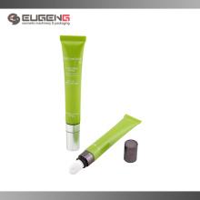 Пластиковая косметическая упаковка для блеска с мягкой трубкой