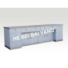 Verbund-Arbeitstisch mit Edelstahl-Oberfläche und Sockel