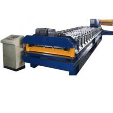 Rolo da telhadura do metal que forma o equipamento