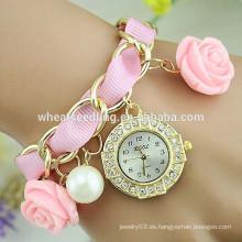 La señora excelente trenzó el reloj pendiente colgante color de rosa del diamante al por mayor