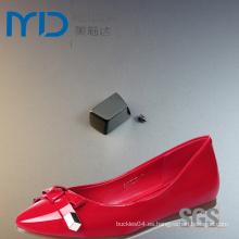 Tapones y extremos de la correa de la hebilla del zapato de cuero y del cable con los tornillos