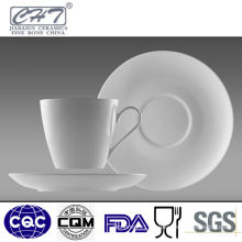 Elegant white porcelain tea cup and saucer wholesale with handle