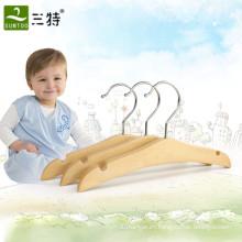 percha de madera ecológica para bebé