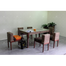 Conjunto de jantar de jacinto de água de design sólido compacto para móveis de vime natural de interior