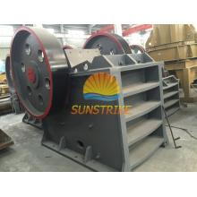 Concasseur de mâchoire de broyeur en pierre d'équipement minier à vendre