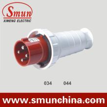 Enchufe y zócalo eléctricos de 4pin 63A 380V, enchufe al aire libre impermeable IP67 del enchufe móvil