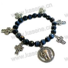 Perles de cristal noir avec croix en métal