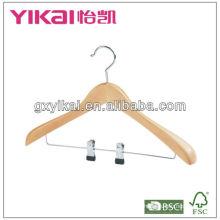 Gancho de capa de madera de la venta caliente 2013 con los clips del metal