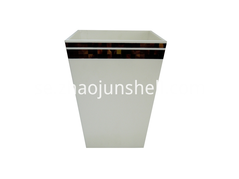pen shell trash bin, dustbin