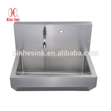 Sanitary Ware Manufacturer In medical Stainless Steel hospital Surgical Scrub Sink with sensor tap for hospital clinic use