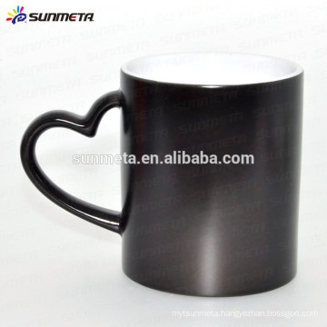 Black glossy matte custom color changing thermal mug with heart shape handle