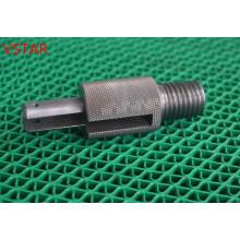 Pièces de usinage de précision adaptées aux besoins du client faites d'acier au carbone