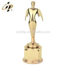 Les nouveaux produits de design en alliage de zinc plaqué or oscar récompensent les coupes de trophées en métal