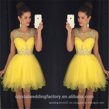 El nuevo baile de fin de curso corto atractivo viste los vestidos de coctel amarillos sin mangas de la longitud delantera de la rodilla los vestidos de coctel amarillos 2017 CWFc2448