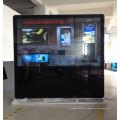 84 Zoll, die große Werbungs-Anzeige UHD mit Netz-Arbeit stehen