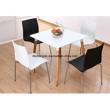 Hot Selling Modern Design Wooden Leg Play Table