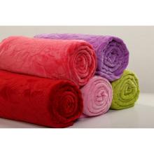 Cobertor de flanela conservada em estoque nos sólidos