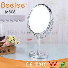 Miroir de loupe de maquillage double face rond en laiton sur pied libre de salle de bain
