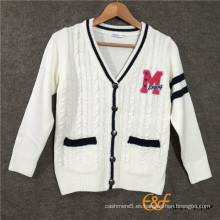 La etiqueta del bordado de la toalla del color del contraste del color del clip tiene un suéter del bolsillo de Welt para los muchachos
