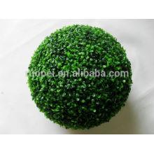 Bola plástica verde de la hierba del boj decorativo de la hierba verde que cuelga la bola de la hierba para el ceil