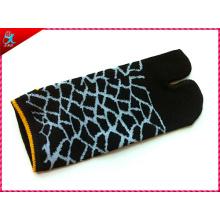 High Quality Custom Cotton 2 Finger Socks