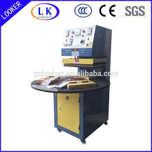 Blister en plastique automatique et machine à emballer de carte de papier