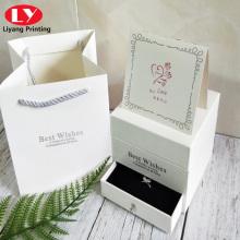 Collar o anillo doble caja de flores para esposa