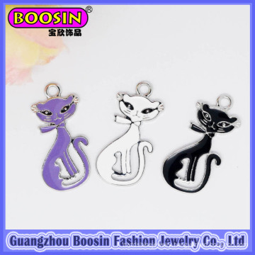 China Factory Wholesale Elegant Alloy Cat Animal Charm for Jewelry #B210