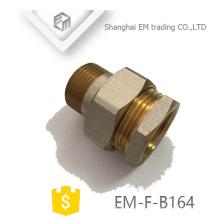EM-F-B164 Tubo de união de latão para redução de rosca niquelada
