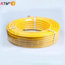 Una manguera de metal flexible de la serie flexible de la manguera del metal 17 4 13 con la guarnición de cobre amarillo