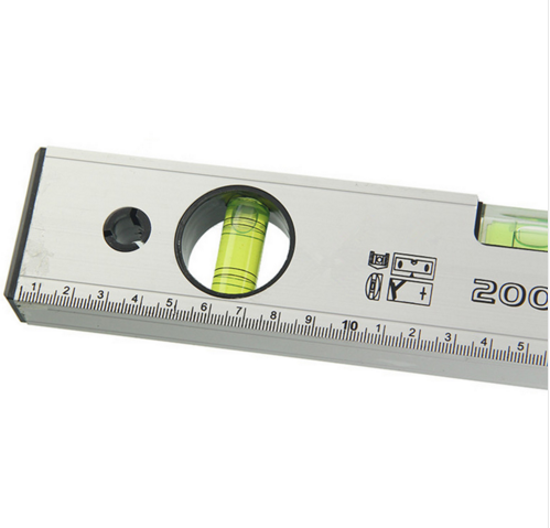Magnetic spirit level flat level