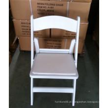 Cadeira dobrável de resina branca para casamento
