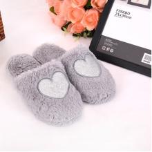 venda quente agradável e quente chinelos de moda ponto cinzento coração
