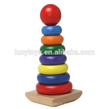 Stacker de madeira do arco-íris para miúdos