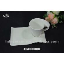 Plato y taza de cerámica