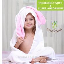 Toalla de bebé con capucha de bambú orgánico Máscara de piel suave y duradera PremiumTowels Sensible al secado rápido - conejito lindo