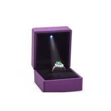 Couro, jóias de plástico, anel de iluminação LED Preço barato