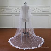 Duas camadas do laço longo véu de noiva