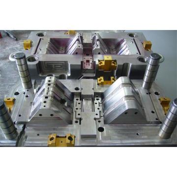 Moldeo por inyección precioso / Prototipo / molde automático de plástico (LW-03673)