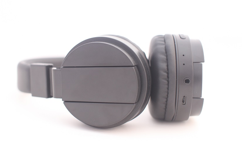 best bluetooth headphones with mic