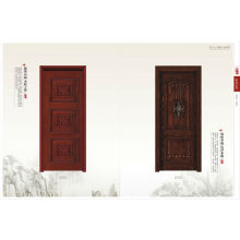 Moderna puerta de madera maciza
