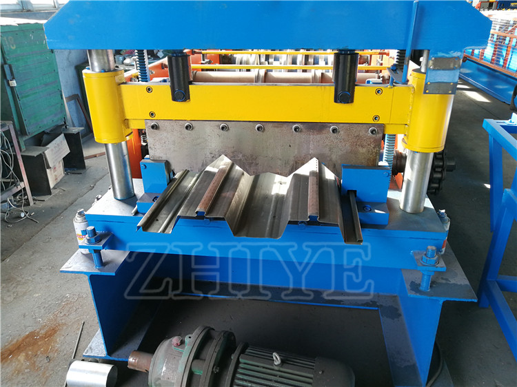 steel deck machine